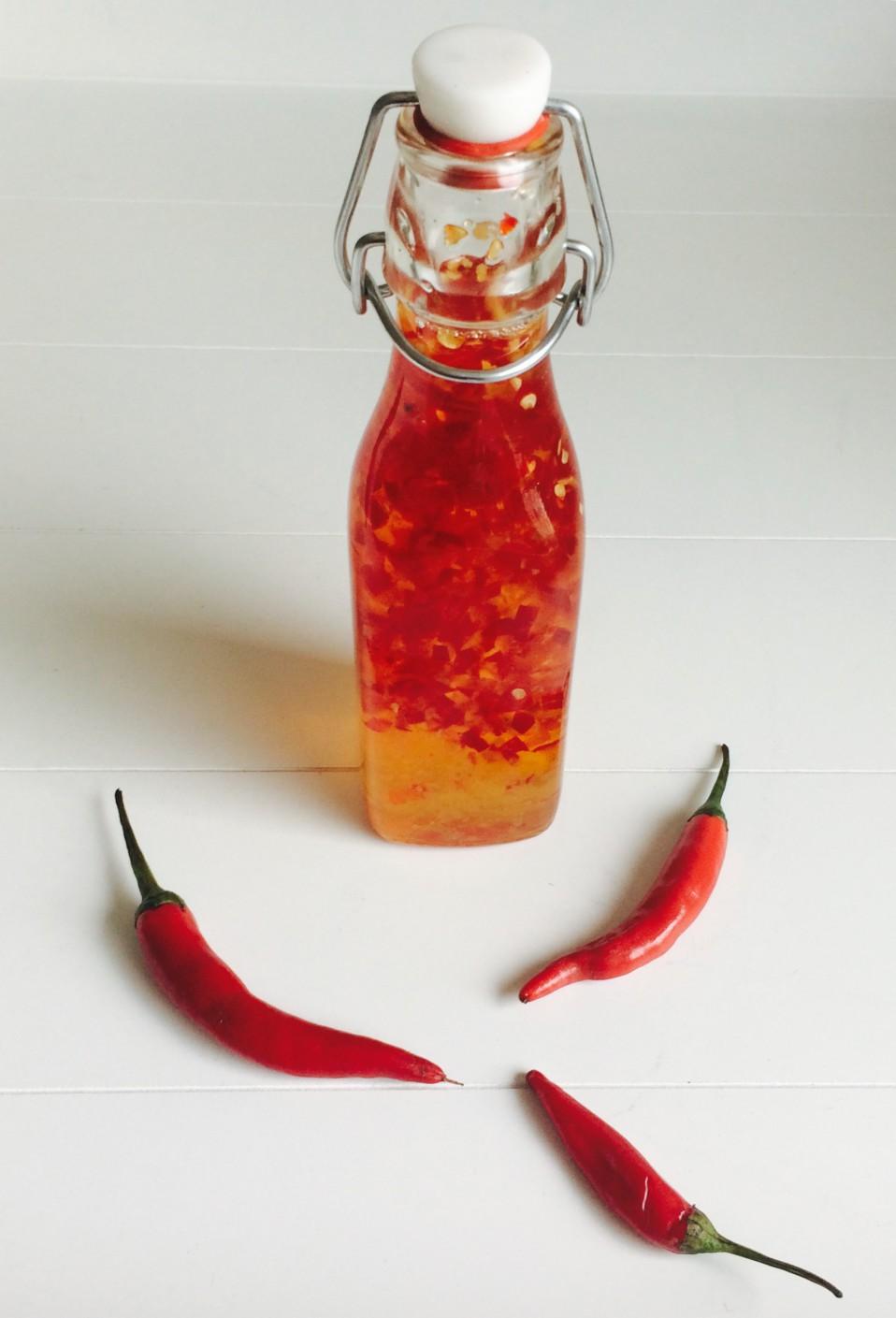 zelf zoete chilisaus maken