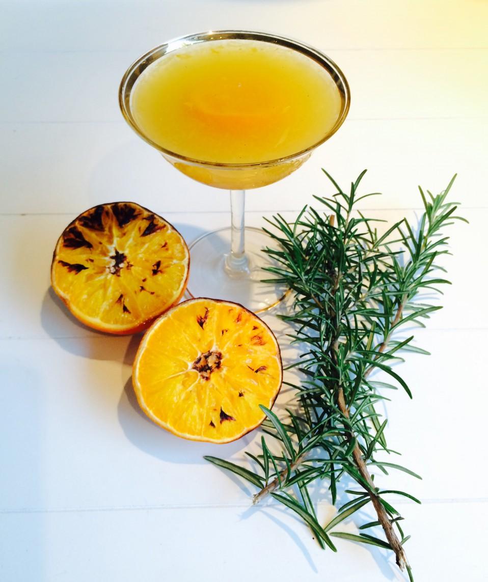 champagne - whisky cocktail met geroosterde snaasappel