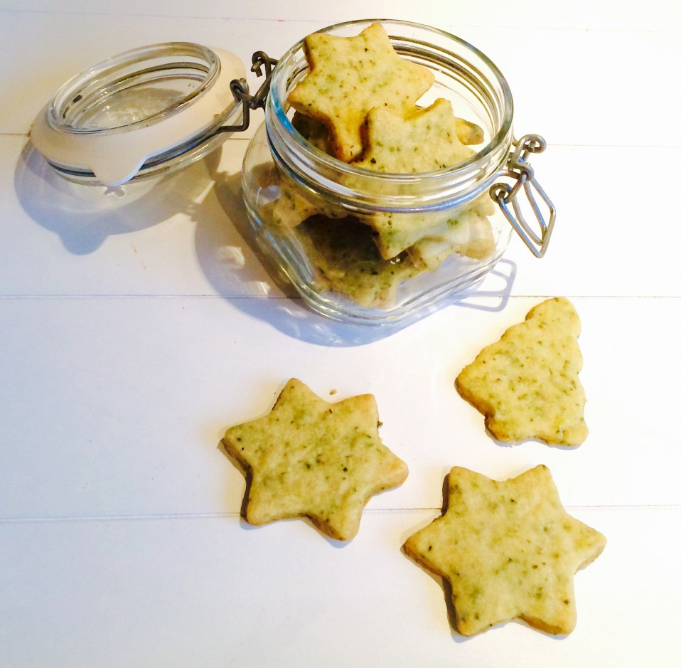 kerstkoekjes met rozemarijn en parmezaan